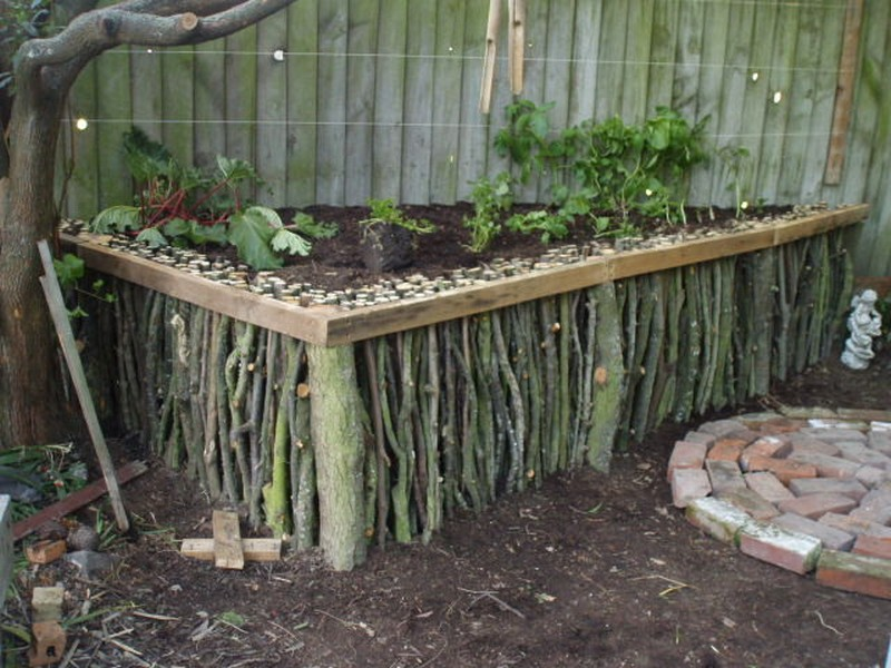 DIY-Natural-Wood-Raised-Garden-23